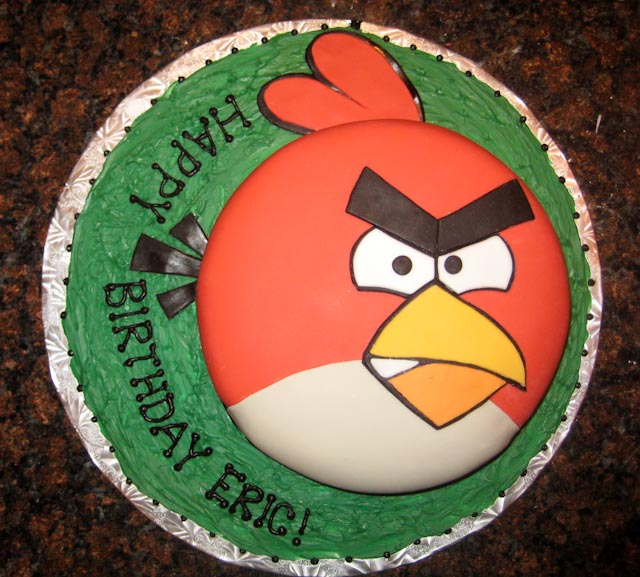 An Angry Birds Birthday Cake