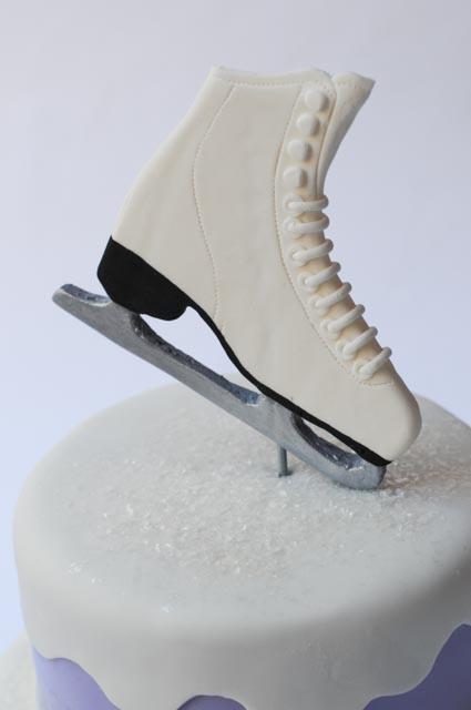 ice-skating-cake-3