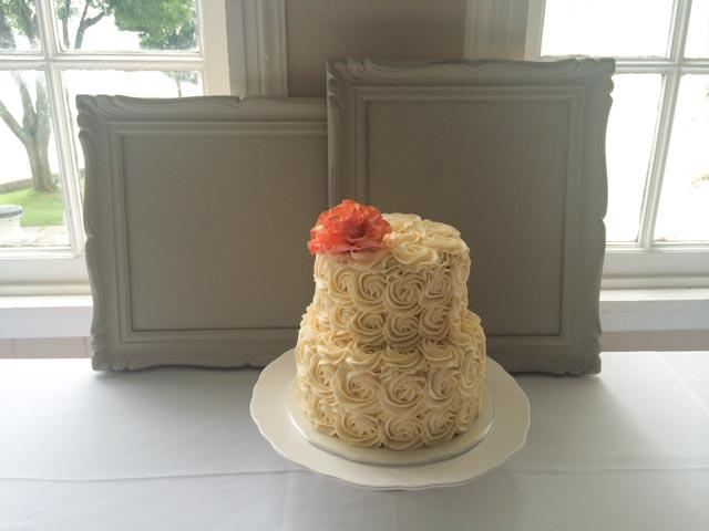 Rosette-wedding-cake-1
